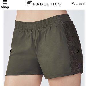 FABLETICS   Cynthia Active Shorts Size XXS Olive